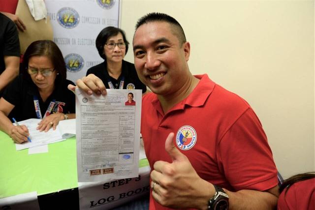 After failed recall petition, Zamora runs again for San Juan mayor